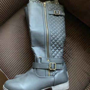 Women's mid calf boots